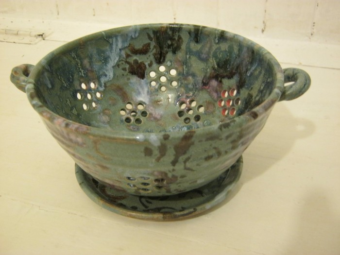 Berry Bowl/Colander